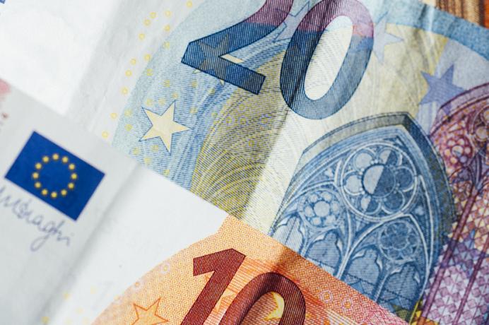 Billetes de euro (Marcus Spiske Unsplash)