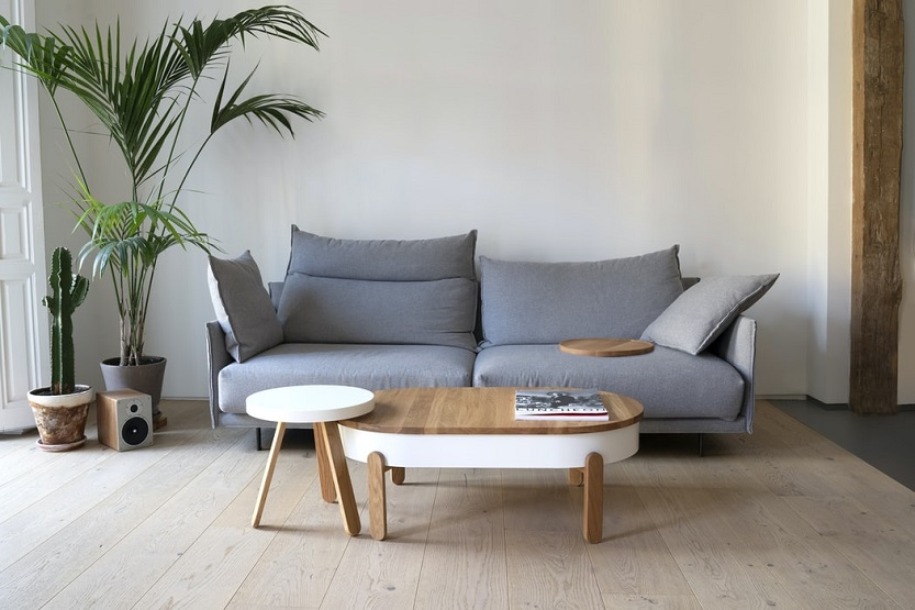 Casa con sofá (Woodendot Unsplash)